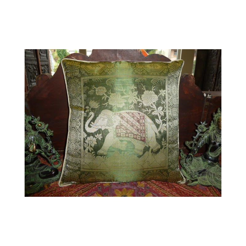 coussin 1 l phants 40x40 cm vert meubles coloniaux et. Black Bedroom Furniture Sets. Home Design Ideas