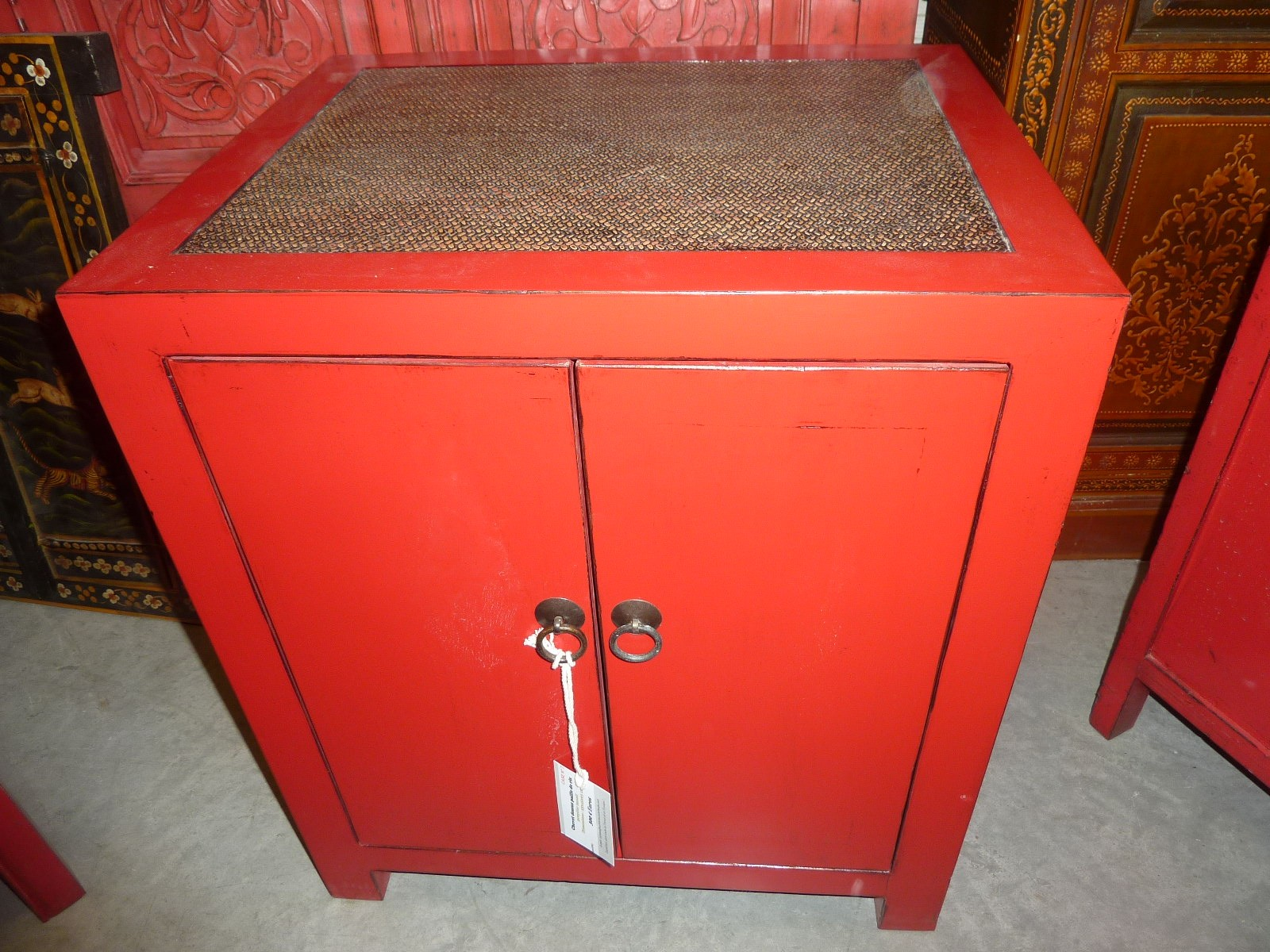 petit meuble chinois rouge meuble chinois with petit meuble chinois rouge interesting meuble. Black Bedroom Furniture Sets. Home Design Ideas