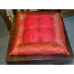Galette de chaise bords en brocard rouge 38x38 cm