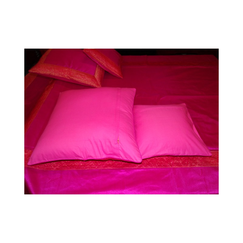 parure de lit brocard rose fushia bord saree. Black Bedroom Furniture Sets. Home Design Ideas