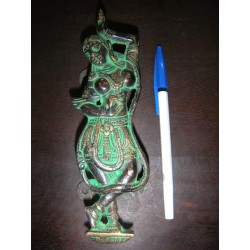 poignée en bronze danseuse verte droite