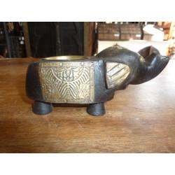 Statuette de buddha assis en résine/stéatite