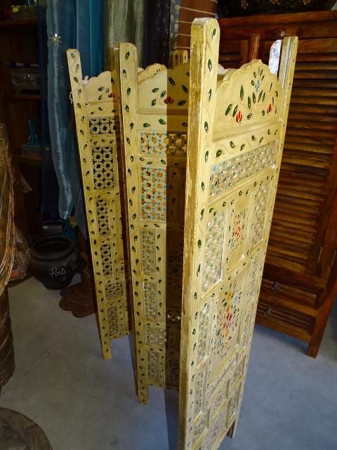 rideaux organdi froiss bordeaux vieux meubles et antiquit s du nord de l inde. Black Bedroom Furniture Sets. Home Design Ideas